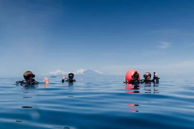 safety reminders when scuba diving