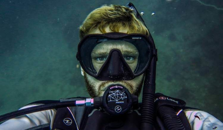 what to do if you feel sick after scuba diving