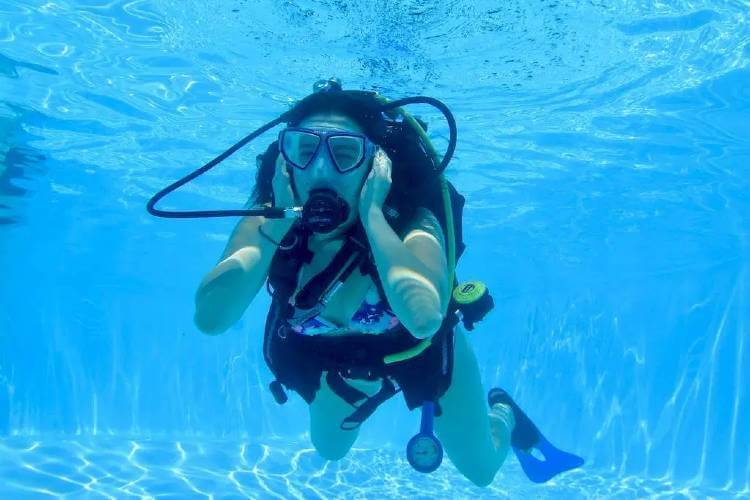 protect your ears when scuba diving
