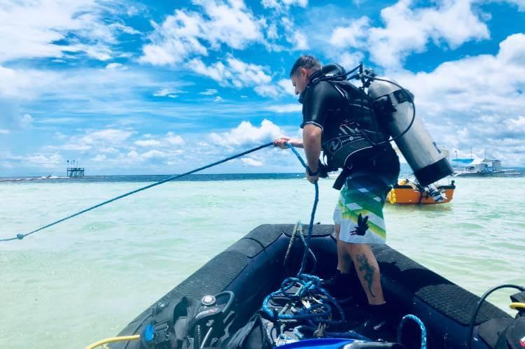 scuba dive without license