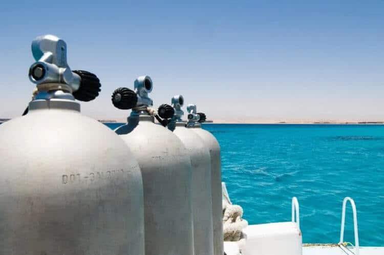 how long do scuba tanks last
