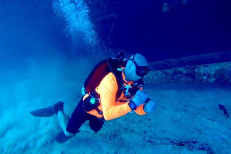 maximum age for scuba diving