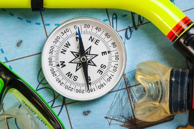 underwater navigation compass