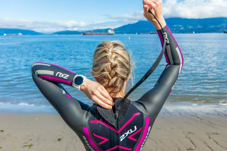 what to wear under a rash guard