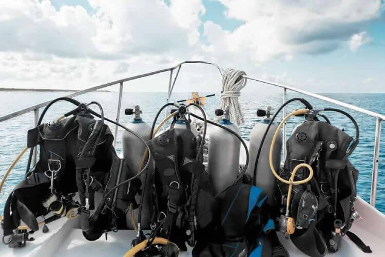 scuba diving equipment list