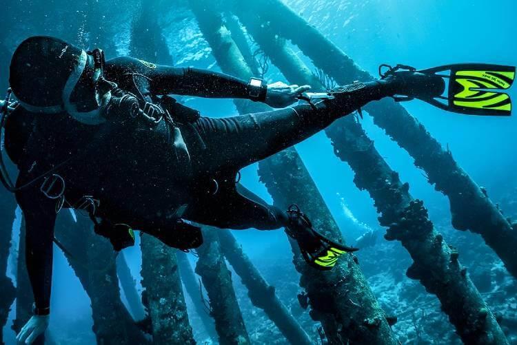 best scuba diving knife