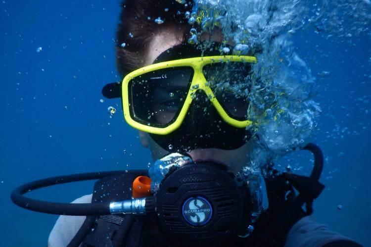 best scuba mask with purge valve