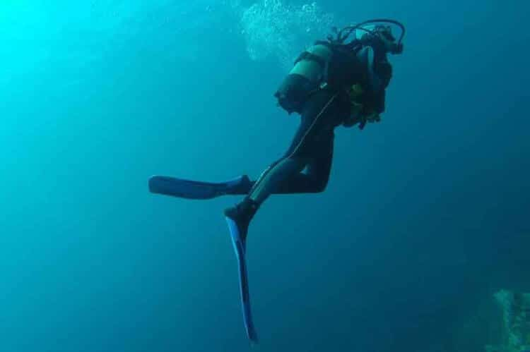 what to do if you run out of air when scuba diving